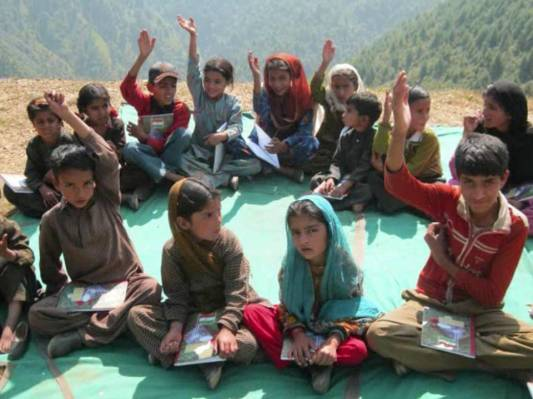 children-being-taught-in-a-campaign-organised-by-army