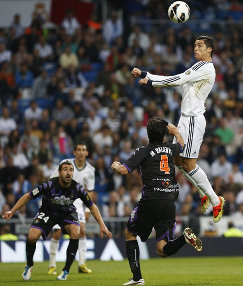 cristiano-ronaldo-669-elevating-in-the-air-and-scoring-from-a-header-in-real-madrid-2013.jpg