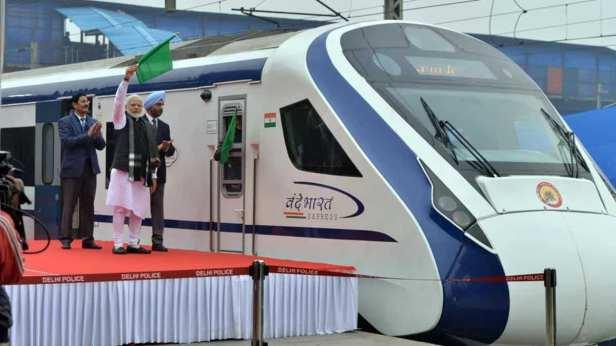 prime-minister-narendra-express-flagging-bharat-vande_51faa432-30f3-11e9-967b-5cdb4de5a68c